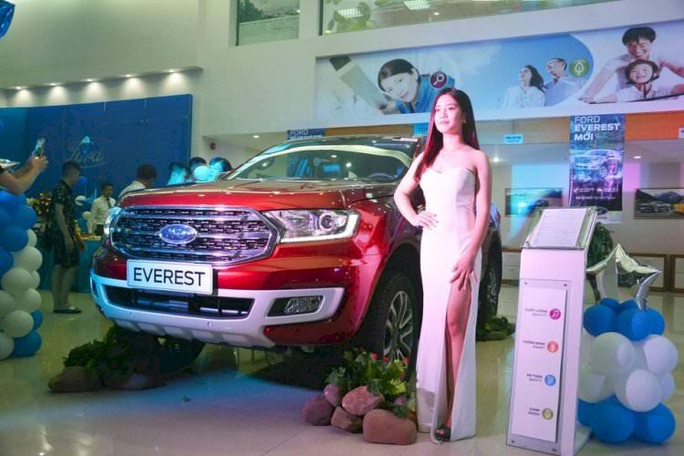 Everest Titanium 2.0L 4x4 AT -